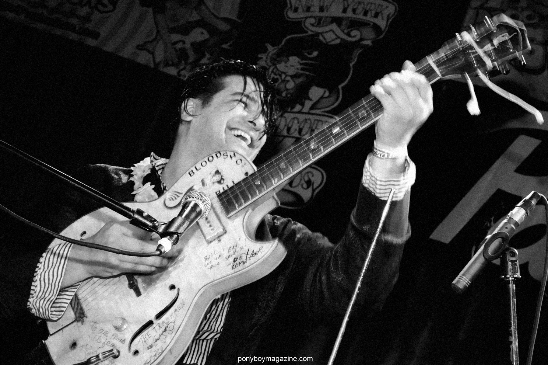 Rockabilly sensation Bloodshot Bill performing in New York City. Photographed by Alexander Thompson for Ponyboy Magazine.
