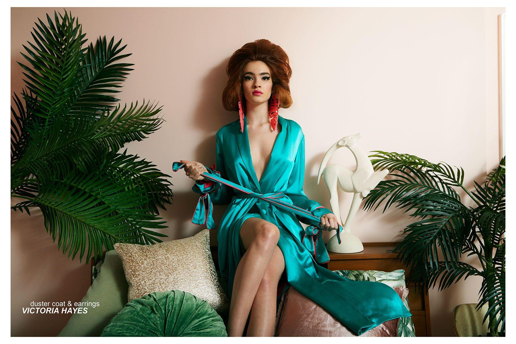Model Liv Solo stars in
